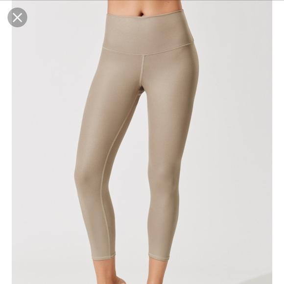 ad71dca279d2d ALO Yoga Pants | High Waisted Airbrush Capri Gravel Glossy | Poshmark